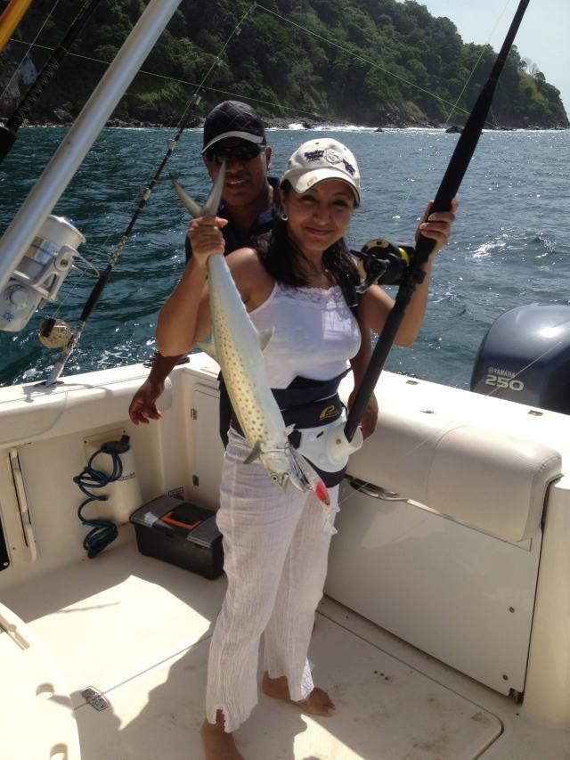 girl fishing, Las perlas