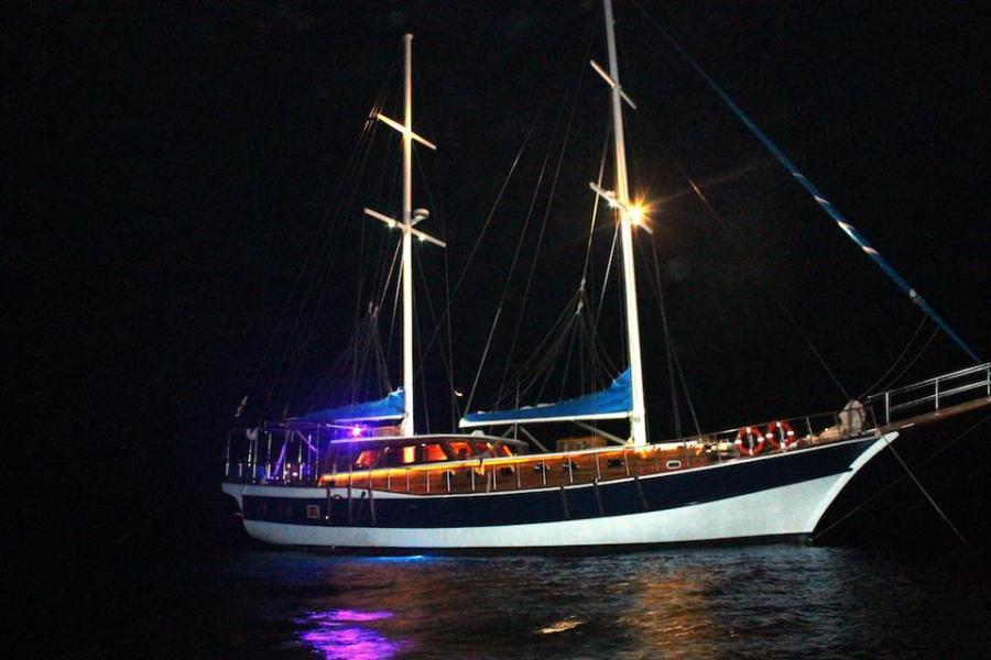 YachtBusiness,NightSail,CheapYachts,CharterPanama,